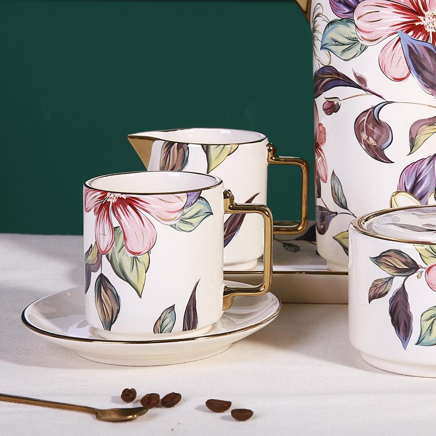 Чашка с блюдцем цветы для кофе и чая