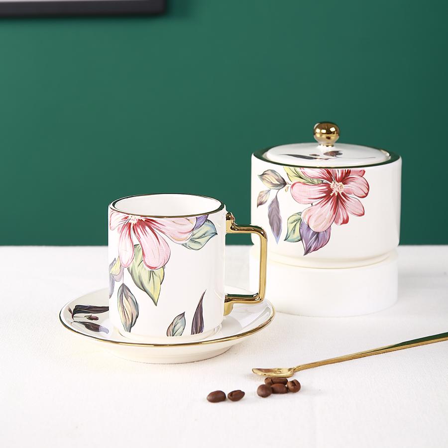 """Чашка 7*8 в комплекте с блюдцем 13*2 серия """"Цветы"""", 100% костяной фарфор, Китай"""